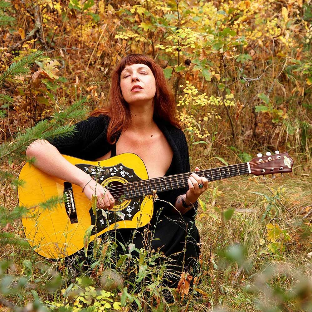 Xanthe Alexis, Folk Music, Singer, Songwriter, Traditional